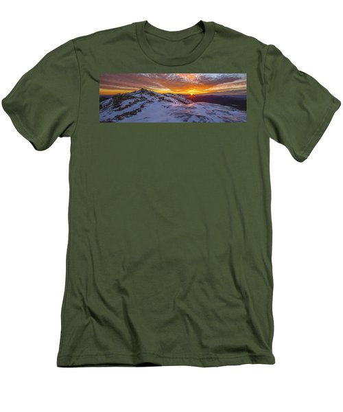 Haystack Sunburst Panorama Men's T-Shirt (Athletic Fit)