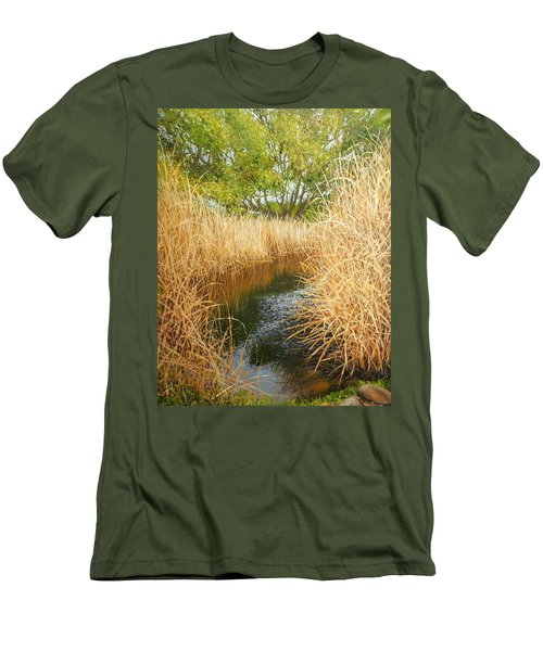 Hear The Croaking Frogs Men's T-Shirt (Athletic Fit)