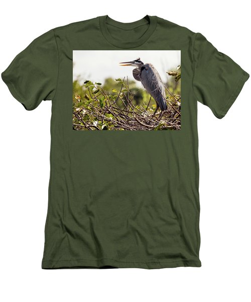 Heron In Nest Men's T-Shirt (Athletic Fit)