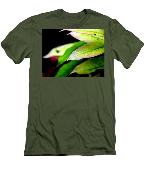 Hickory Leaf Men's T-Shirt (Athletic Fit)