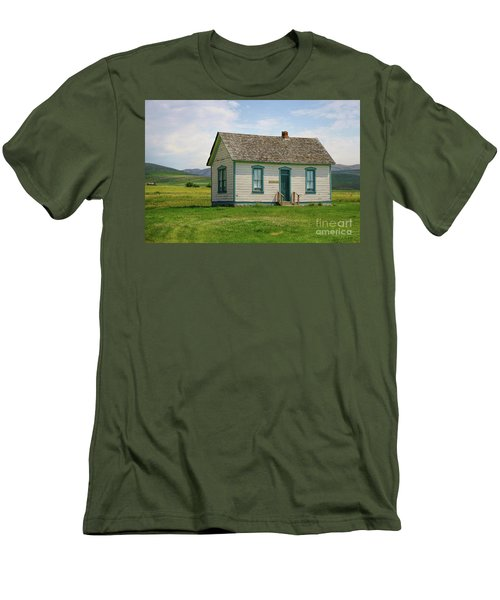 Honeymoon  Cabin Men's T-Shirt (Athletic Fit)