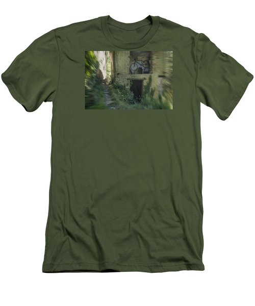 House With Bycicle Men's T-Shirt (Athletic Fit)