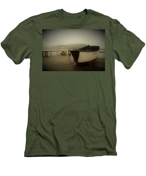 Icy Strait Point Boat Men's T-Shirt (Athletic Fit)