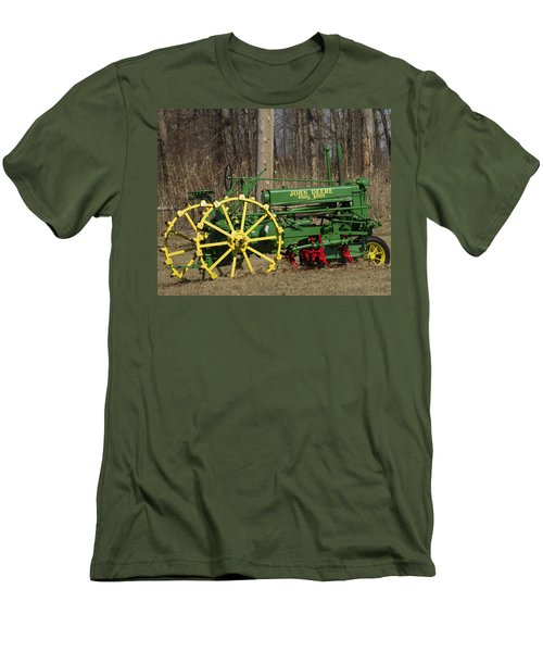 John Deer Tractor Men's T-Shirt (Athletic Fit)