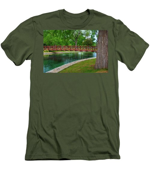 Landa Park Bridge Men's T-Shirt (Slim Fit) by Kelly Wade
