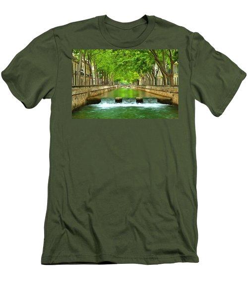 Les Quais De La Fontaine Nimes Men's T-Shirt (Athletic Fit)