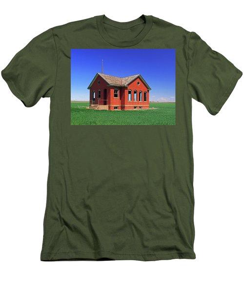Little Brick School House Men's T-Shirt (Athletic Fit)