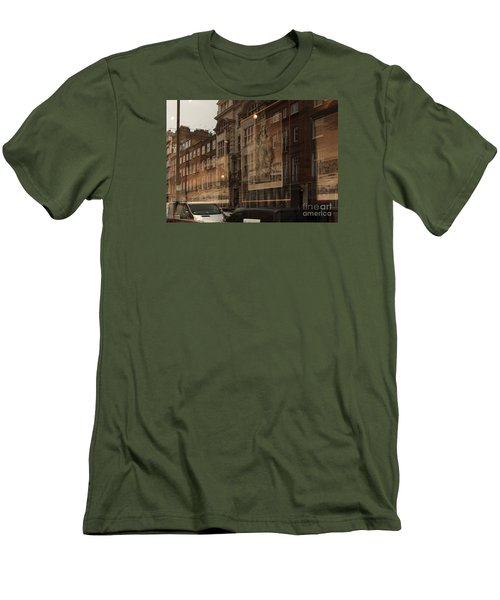London,window Reflections Men's T-Shirt (Athletic Fit)
