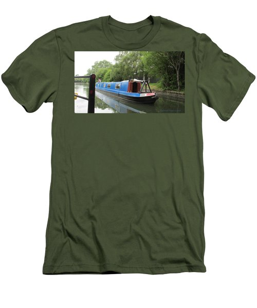 Loved-up On A Canal Boat - Park Royal Men's T-Shirt (Slim Fit) by Mudiama Kammoh