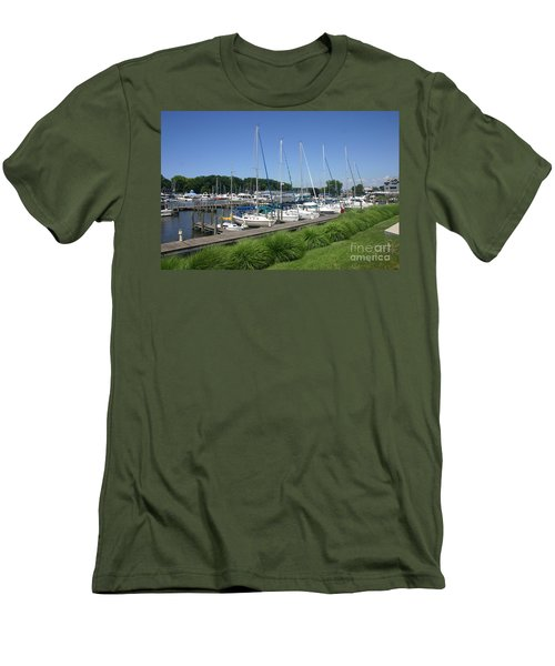 Marina On Black River Men's T-Shirt (Slim Fit)