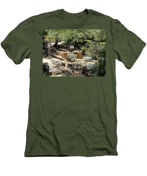 Mini Town Men's T-Shirt (Athletic Fit)