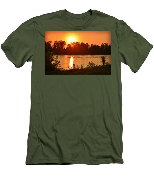 Missouri River In St. Joseph Men's T-Shirt (Athletic Fit)