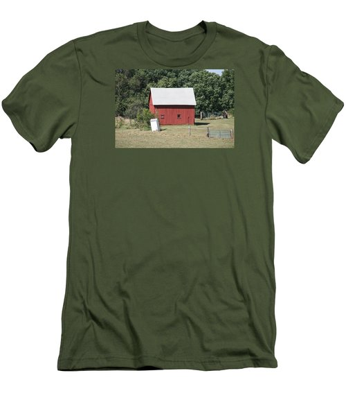Moberly Farm Men's T-Shirt (Athletic Fit)