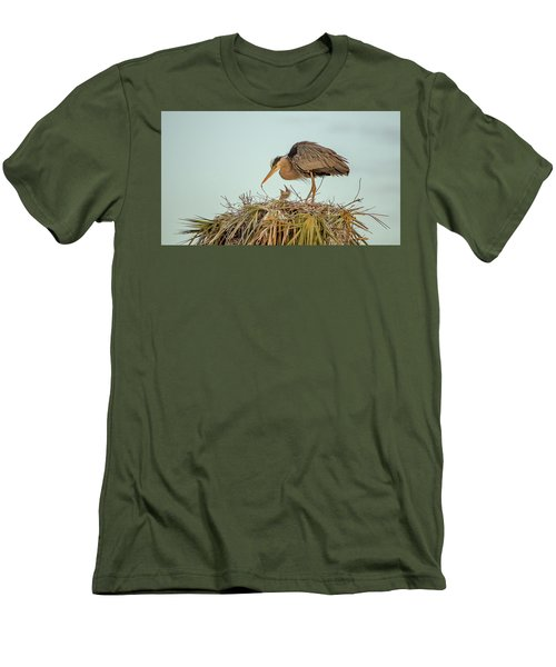 Mom And Chick Men's T-Shirt (Athletic Fit)