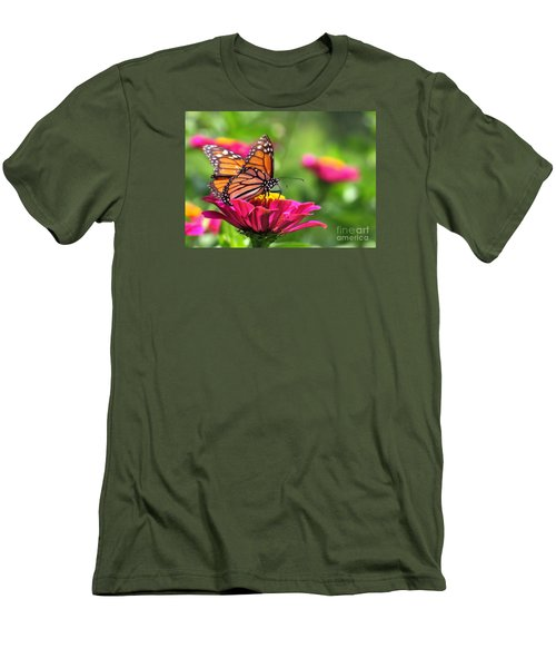 Monarch Visiting Zinnia Men's T-Shirt (Athletic Fit)