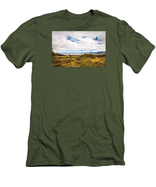 Mount Washington Hotel Men's T-Shirt (Slim Fit) by Robert Clifford