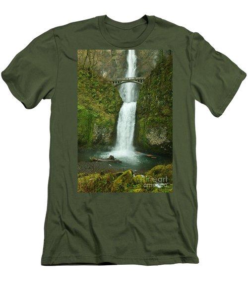 Multnomah Falls Men's T-Shirt (Athletic Fit)
