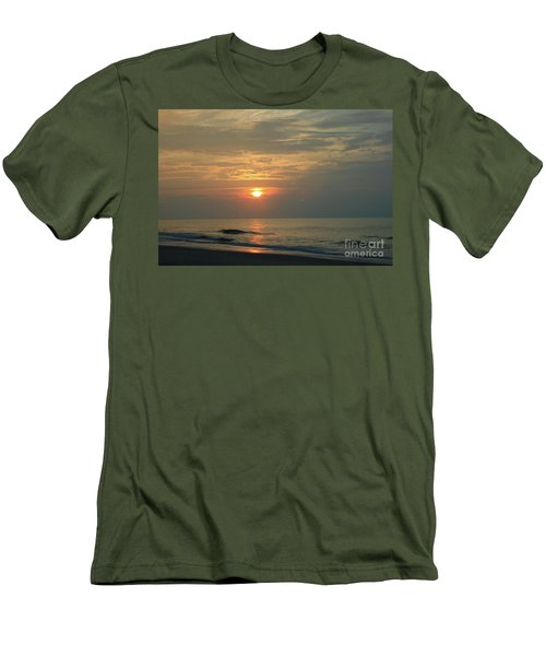 Myrtle Beach Sunrise Men's T-Shirt (Athletic Fit)