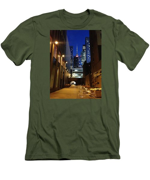 New York Night Men's T-Shirt (Slim Fit) by Helen Haw