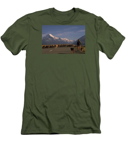 New Zealand Mt Cook Men's T-Shirt (Athletic Fit)