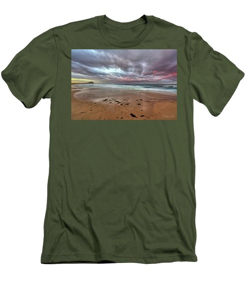 Nobbys Beach At Sunset Men's T-Shirt (Athletic Fit)