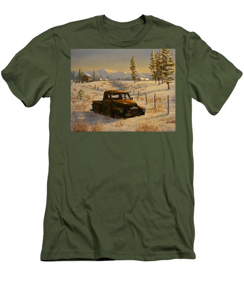 North Idaho Yard Art Men's T-Shirt (Athletic Fit)