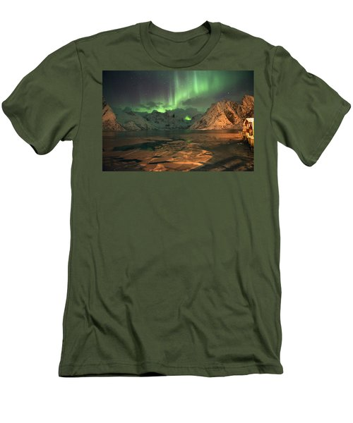 Northern Light In Lofoten, Nordland 1 Men's T-Shirt (Athletic Fit)