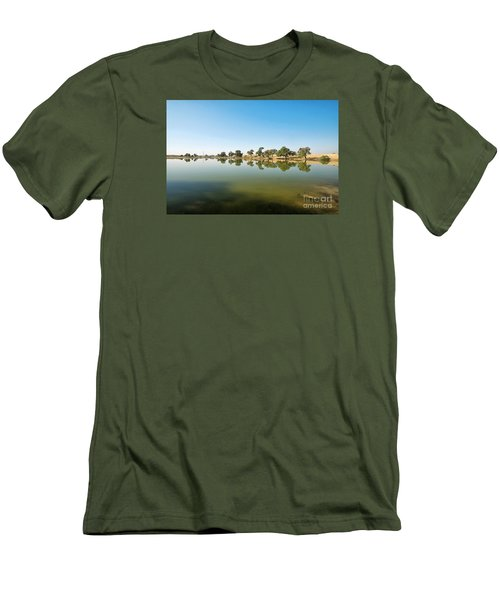 Men's T-Shirt (Athletic Fit) featuring the photograph Oasis by Yew Kwang