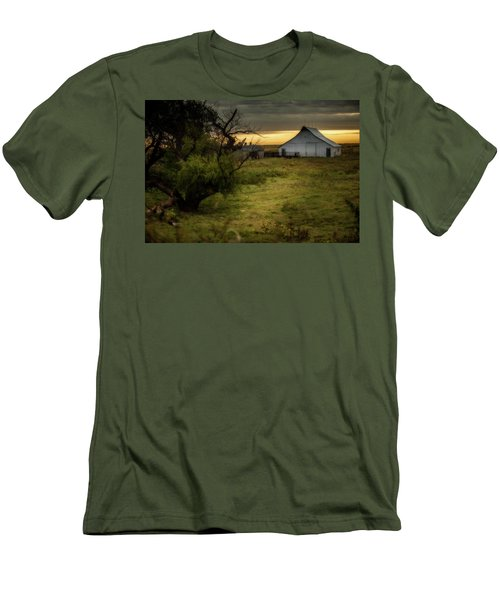 Oklahoma Barnyard Men's T-Shirt (Athletic Fit)
