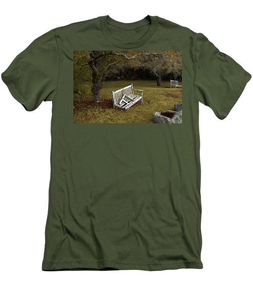 Old Benches Men's T-Shirt (Athletic Fit)