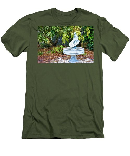 Old Fountain Men's T-Shirt (Athletic Fit)