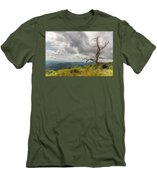 Old Man On The Mountian Men's T-Shirt (Athletic Fit)