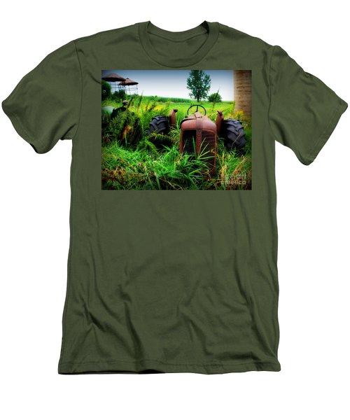 Old Oliver Men's T-Shirt (Athletic Fit)