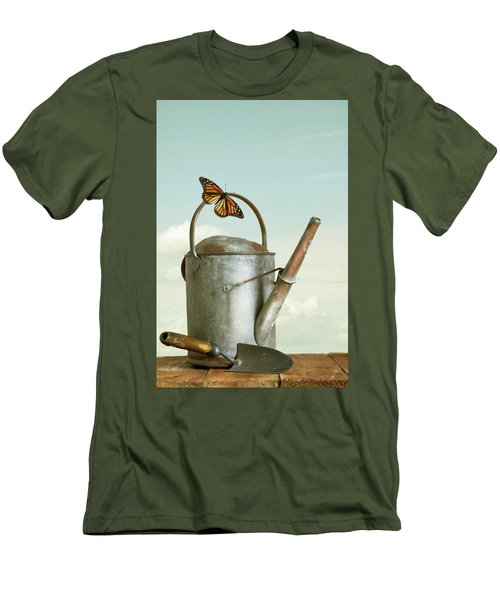 Old Watering Can With A Butterfly Men's T-Shirt (Athletic Fit)