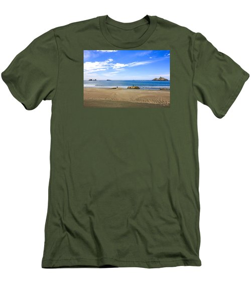 Pacific California Men's T-Shirt (Slim Fit) by Chris Smith