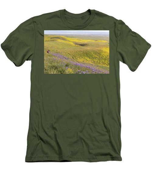Men's T-Shirt (Slim Fit) featuring the photograph Photographing Carrizo by Marc Crumpler