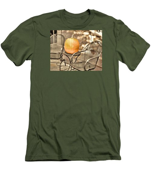 Pick A Pumpkin Men's T-Shirt (Slim Fit)