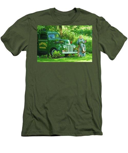 Po Boy Acres Men's T-Shirt (Athletic Fit)