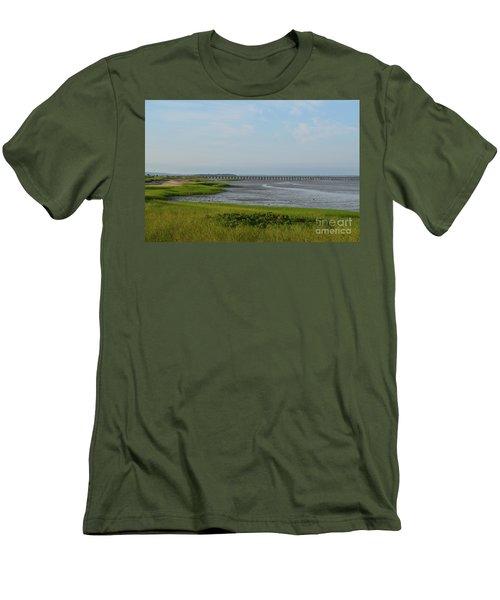 Powder Point Bridge In Duxbury  Men's T-Shirt (Athletic Fit)