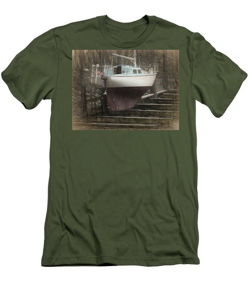 Preparing To Sail Men's T-Shirt (Athletic Fit)
