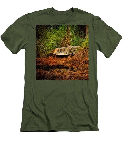 River Boat Men's T-Shirt (Athletic Fit)