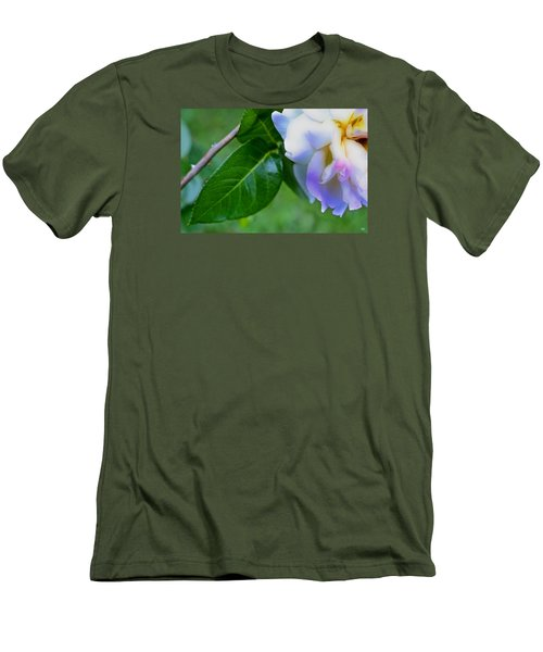 Rose Pedals Men's T-Shirt (Slim Fit)