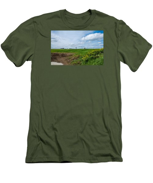 Round Tower Portrane Men's T-Shirt (Athletic Fit)