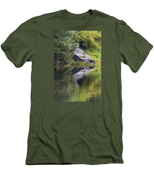 Run Aground Men's T-Shirt (Athletic Fit)
