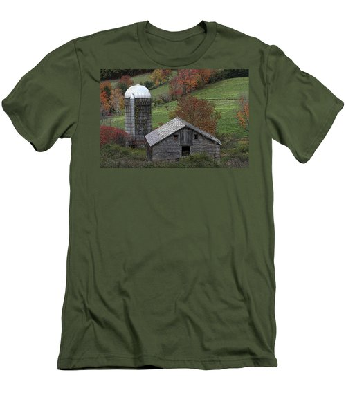 Rupert Mountain Face Barn Men's T-Shirt (Athletic Fit)