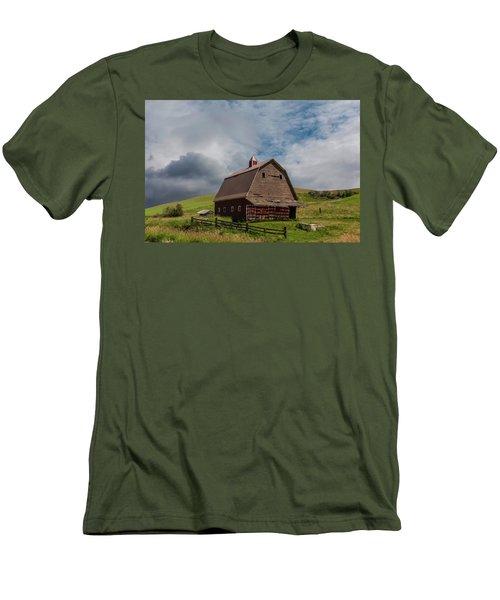Rustic Barn Palouse Washington Men's T-Shirt (Slim Fit) by James Hammond