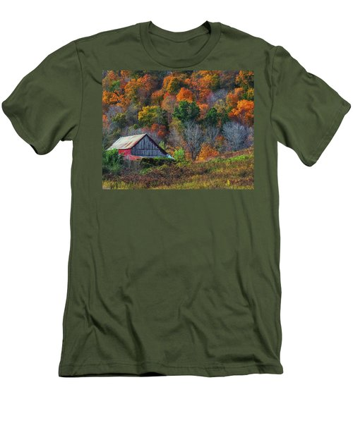 Rustic Out Building In Southern Ohio  Men's T-Shirt (Athletic Fit)