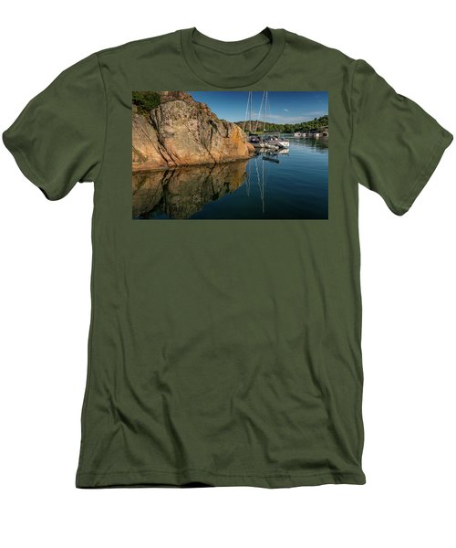 Sailing In Sweden Men's T-Shirt (Athletic Fit)