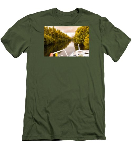 Scottish Loch 4 Men's T-Shirt (Athletic Fit)