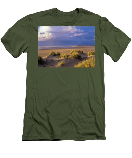 Siltcoos River Mouth Men's T-Shirt (Athletic Fit)